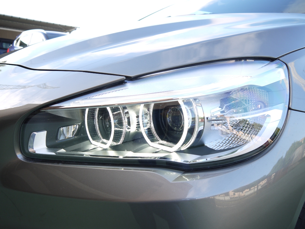 Bmw 216 auto aziendali auto 4089 sicurauto for Led alta efficienza